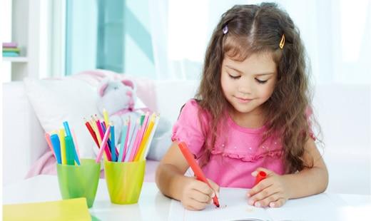 על שלבים וחומרים בהתפתחות ציורי הילד