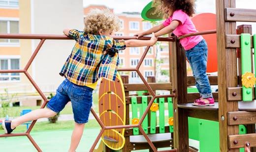 כמה חשוב לקחת ילדים לגן השעשועים