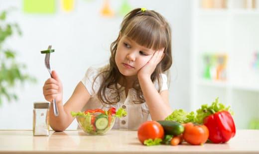7 דרכים לעודד ילדים לאכול ירקות ופירות