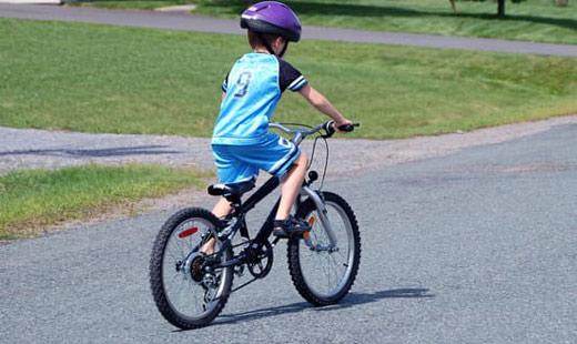 איך ללמד רכיבה על אופניים